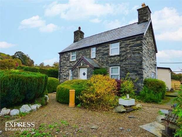 3 Bedrooms Detached House for sale in Llandderfel, Bala, Gwynedd