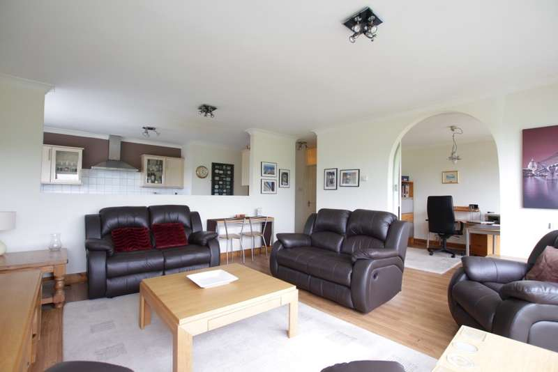 3 Bedrooms Apartment Flat for sale in Hartslock Court Shooter's Hill, Pangbourne, Reading, RG8