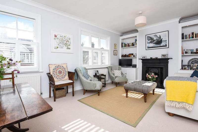2 Bedrooms Maisonette Flat for sale in Tranmere Road, Earlsfield