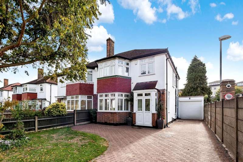 3 Bedrooms Semi Detached House for sale in Upwood Road Lee SE12