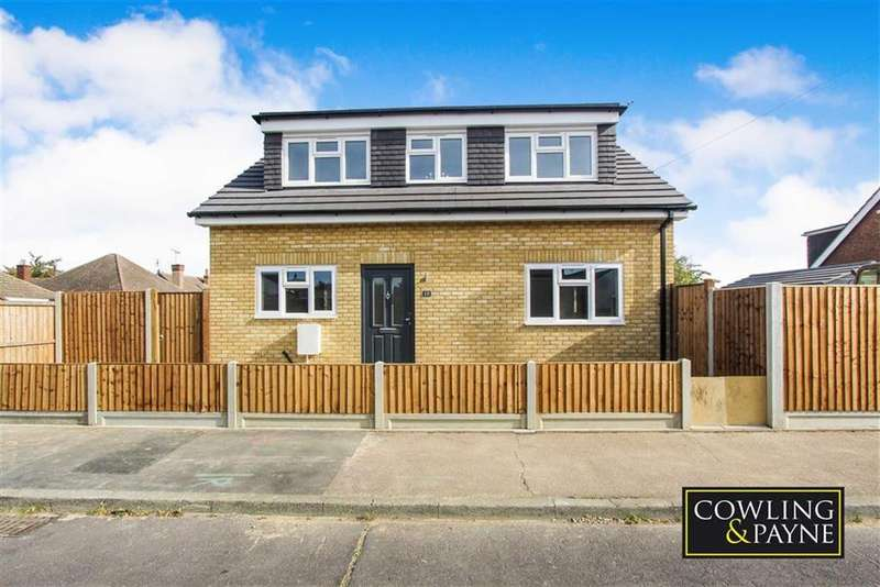 3 Bedrooms Chalet House for sale in Cross Ave, Wickford, Essex