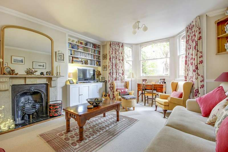4 Bedrooms Flat for sale in Lordship Park, London, N16