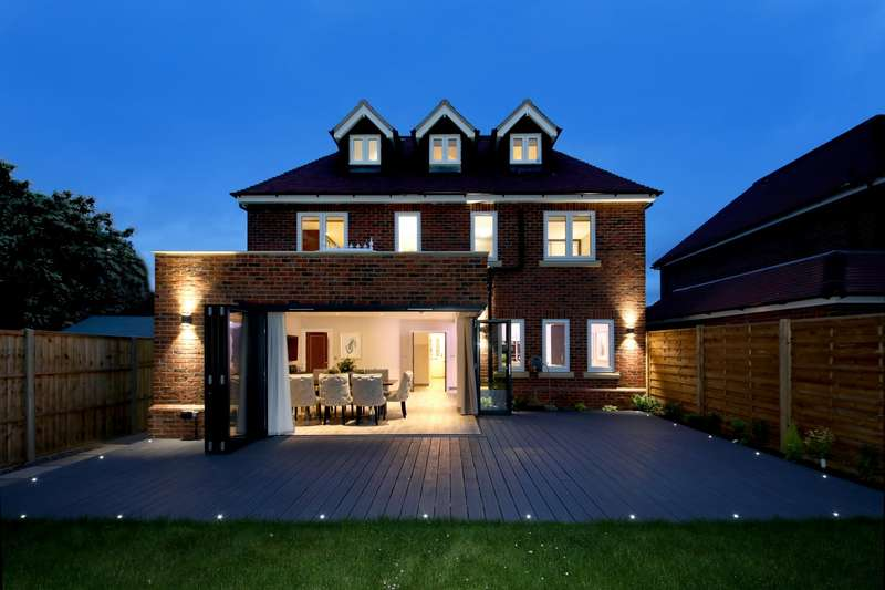 5 Bedrooms Detached House for sale in Fairfield Lane, Farnham Royal, SL2