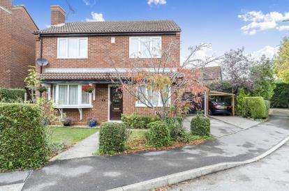 4 Bedrooms Detached House for sale in Chandlers Ford, Hampshire