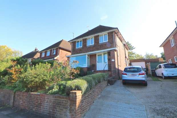 4 Bedrooms Detached House for sale in Victoria Drive, Eastbourne, BN20