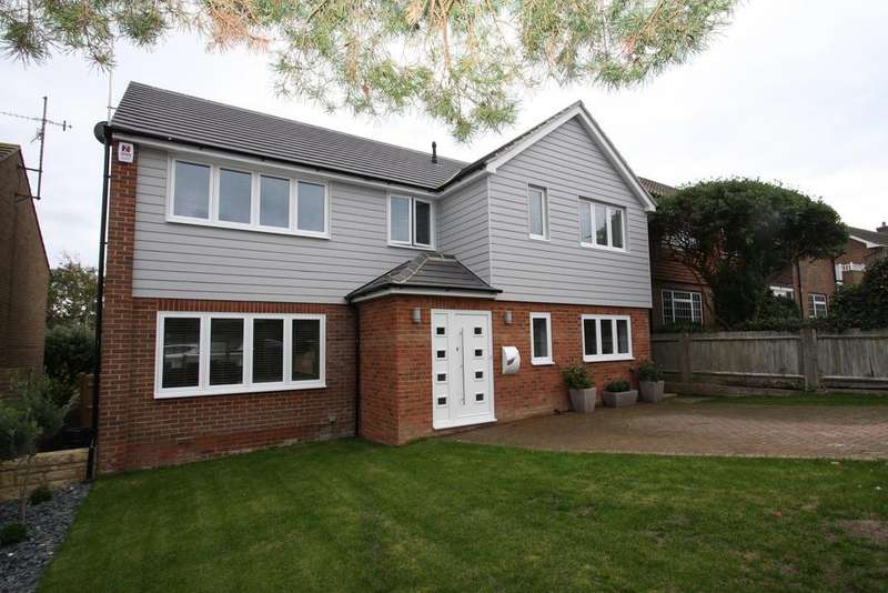 4 Bedrooms Detached House for sale in Old Camp Road, Eastbourne BN20