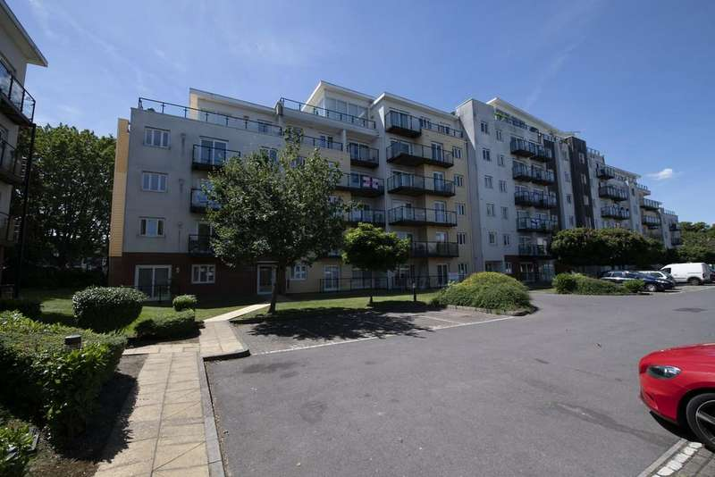 2 Bedrooms Flat for sale in Gisors Road