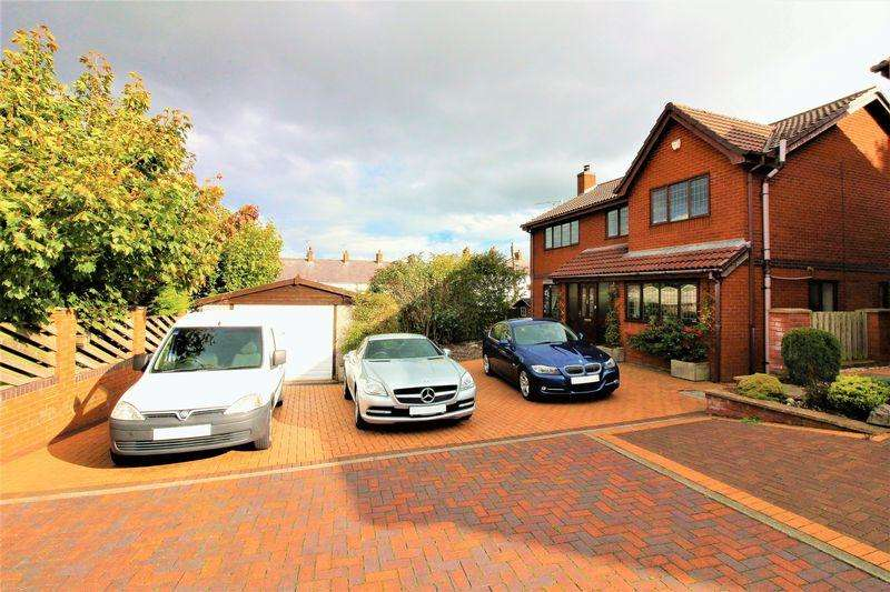 4 Bedrooms Detached House for sale in Church Walk, Bagillt