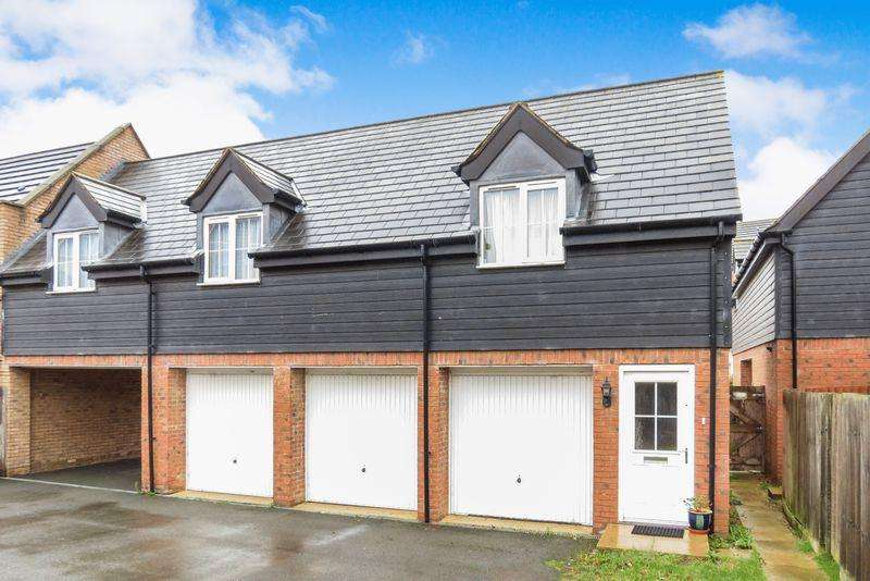 2 Bedrooms Semi Detached House for sale in Elsea Park