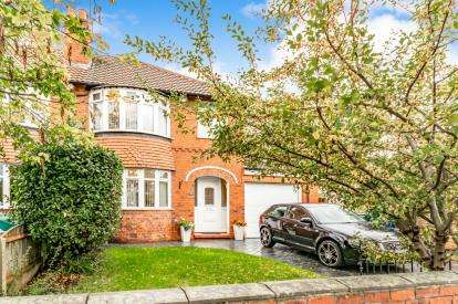 3 Bedrooms Semi Detached House for sale in Osborne Street, Bredbury, Stockport, Cheshire