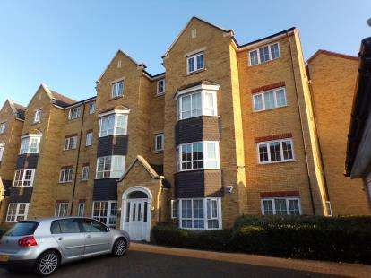 2 Bedrooms Flat for sale in Henley Road, Bedford, Bedfordshire, .