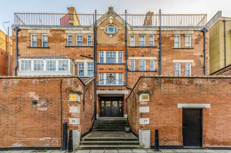 3 Bedrooms Flat for sale in Cold Harbour, Docklands, E14