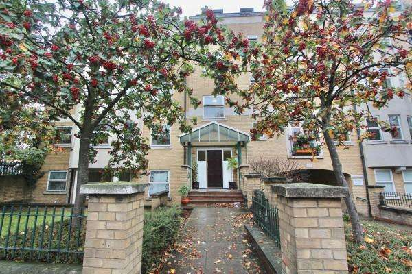 1 Bedroom Flat for sale in , Albion Road, Stoke Newington, N16