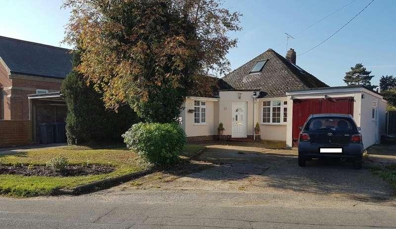 3 Bedrooms Detached Bungalow for sale in Falkenham Road, Kirton, Ipswich, IP10