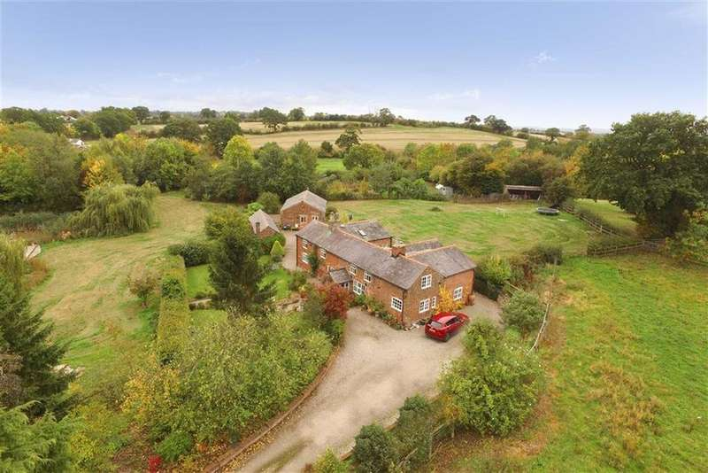 5 Bedrooms Detached House for sale in Horseshoe Lane, Dudleston Heath, SY12