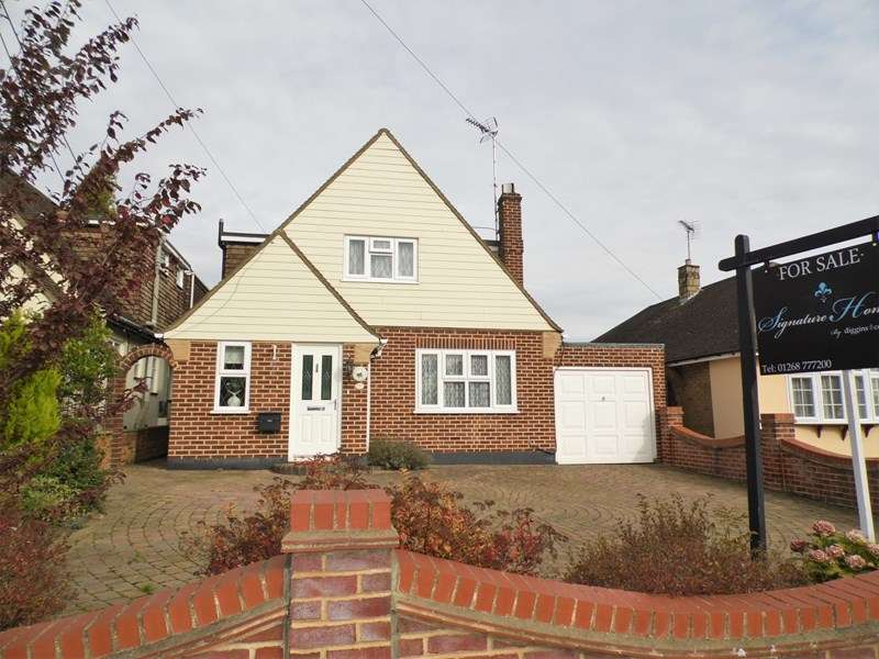 3 Bedrooms Detached House for sale in Bull Lane, Rayleigh