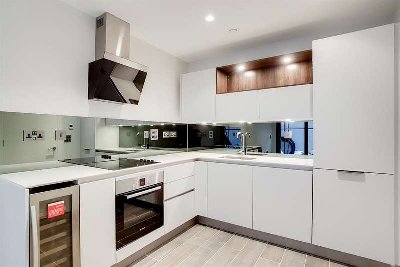 2 Bedrooms Ground Flat for sale in Boundary Lane, London, SE17 2BH