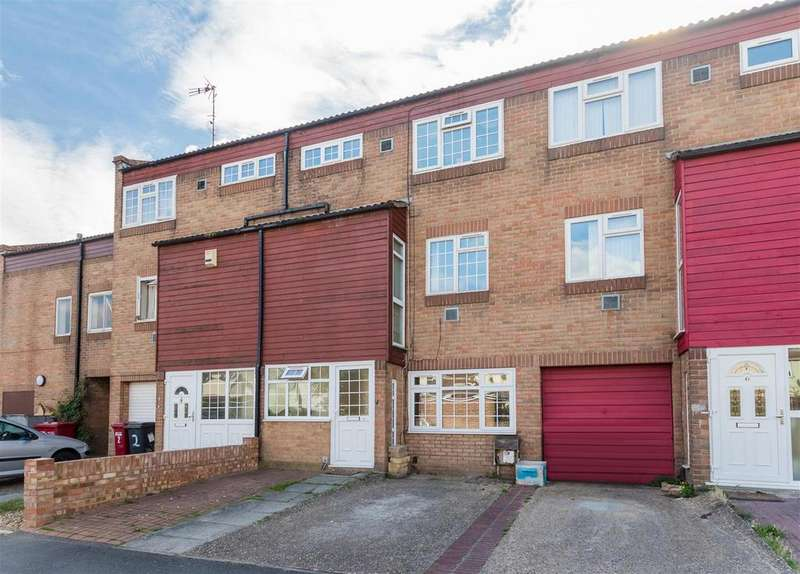 3 Bedrooms Town House for sale in Stratfield Road, Slough
