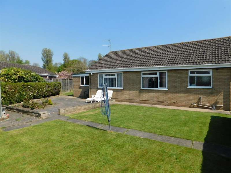3 Bedrooms Detached Bungalow for sale in Gleneagles Drive, Skegness, , PE25 1DR