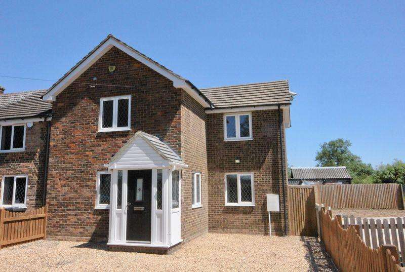 3 Bedrooms End Of Terrace House for sale in Caddington Village Outskirts