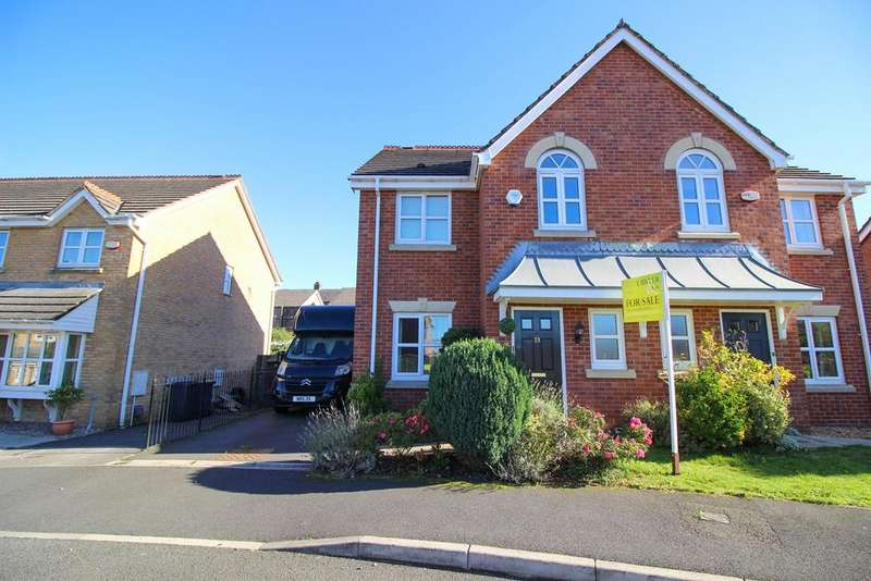 3 Bedrooms Semi Detached House for sale in Bakehurst Close, New Mills, High Peak, SK22