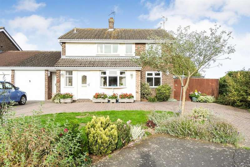 4 Bedrooms Detached House for sale in Gleneagles Way, Hatfield Peverel, Chelmsford