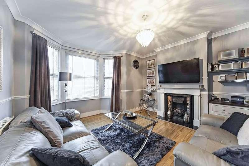 2 Bedrooms Flat for sale in Broadfield Road, London, SE6