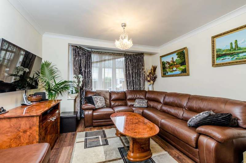 4 Bedrooms Semi Detached House for sale in Lincoln Close, Greenford, UB6