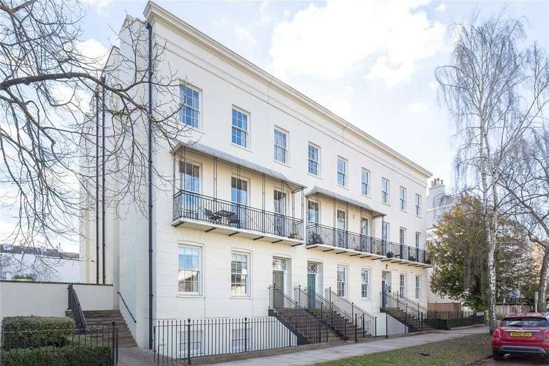 2 Bedrooms Flat for sale in St. Martins Terrace, Clarence Square, Cheltenham, Gloucestershire, GL50