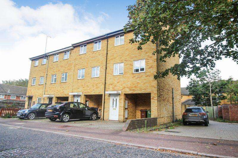 3 Bedrooms Town House for sale in Dale Close, South Ockendon