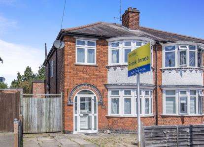 3 Bedrooms Semi Detached House for sale in Overdale Road, Knighton, Leicester