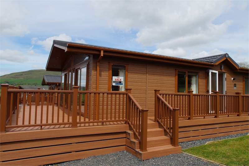 2 Bedrooms Park Home Mobile Home for sale in CA12 4RJ Victory Versailles Lodge, Robin Hood Holiday Park, nr Bassenthwaite, Keswick, Cumbria