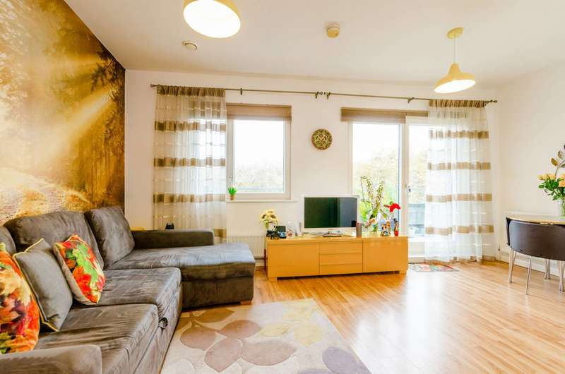1 Bedroom Flat for sale in Church Street, Stratford, E15