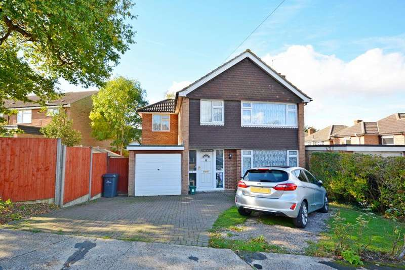4 Bedrooms Detached House for sale in Newton Close, Braintree, Essex, CM7