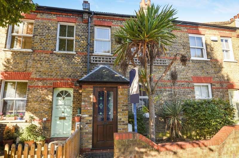 2 Bedrooms Terraced House for sale in Green Lane, London SE9