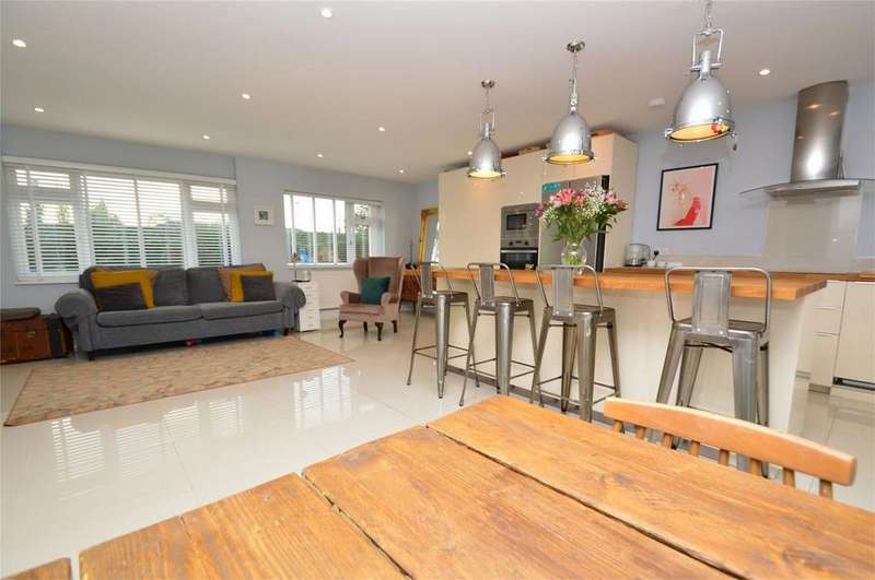 4 Bedrooms Detached Bungalow for sale in Briars Lane, HATFIELD, Hertfordshire