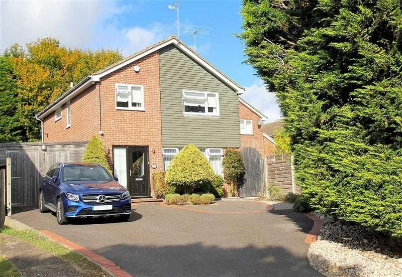 4 Bedrooms Detached House for sale in Broom Grove, Knebworth, SG3 6BZ