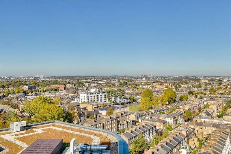 3 Bedrooms Flat for sale in Clarence House, Sovereign Court, Hammersmith, W6