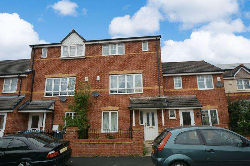 4 Bedrooms Terraced House for sale in Northcote Avenue, Wythenshawe, Manchester