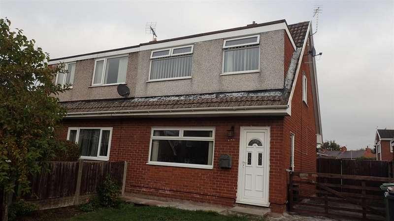 3 Bedrooms Semi Detached House for sale in Ffordd Trefaldwyn, Wrexham