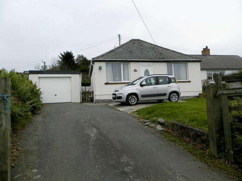 2 Bedrooms Detached Bungalow for sale in Blaenffos, Boncath