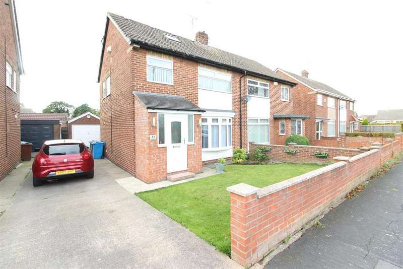 4 Bedrooms Semi Detached House for sale in Compass Road, Hull