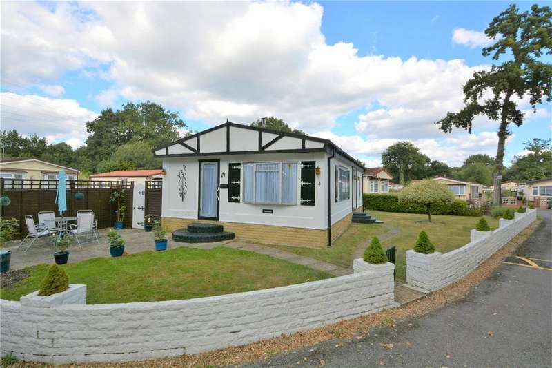 3 Bedrooms House for sale in Robinson Crusoe Park, Park Lane, Finchampstead, Wokingham, RG40