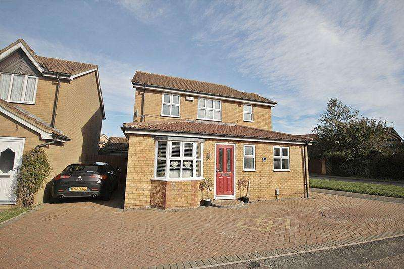 3 Bedrooms Detached House for sale in Truro Gardens, Flitwick