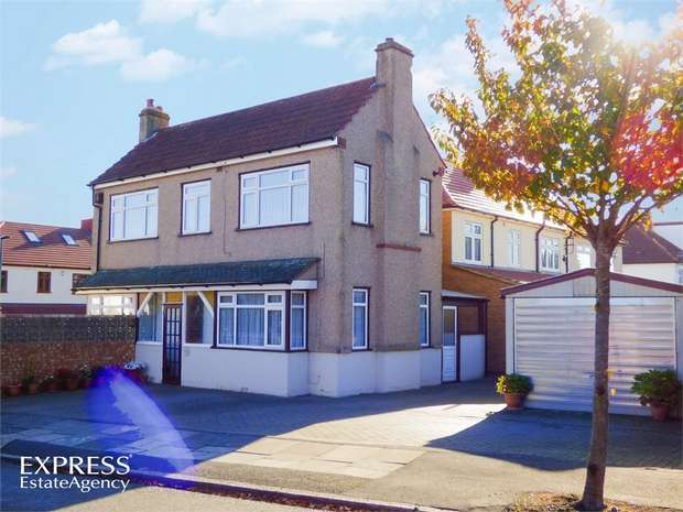 4 Bedrooms Detached House for sale in Danson Crescent, Welling, Kent