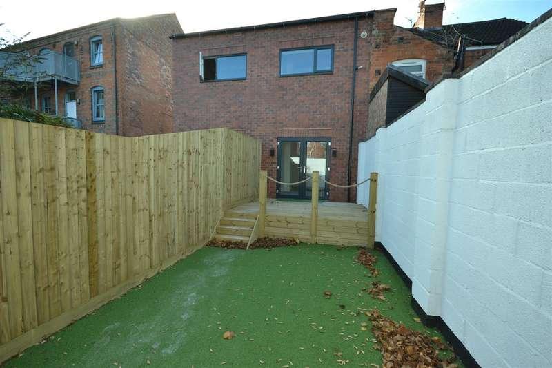 2 Bedrooms End Of Terrace House for sale in Lansdowne Road, Aylestone
