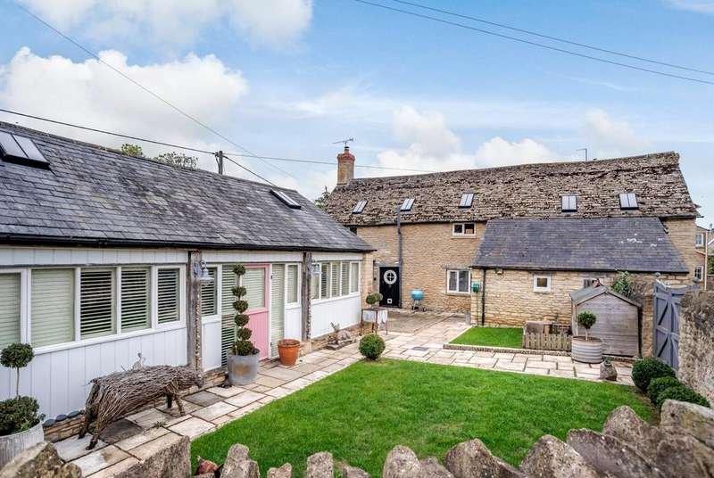 6 Bedrooms Cottage House for sale in Station Road, Brize Norton, Carterton, OX18