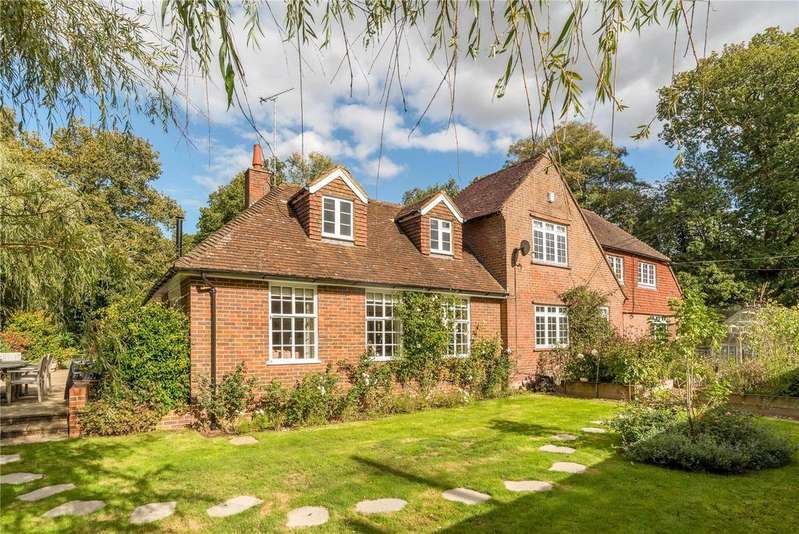 5 Bedrooms Detached House for sale in Lombard Street, Shackleford, Godalming, Surrey