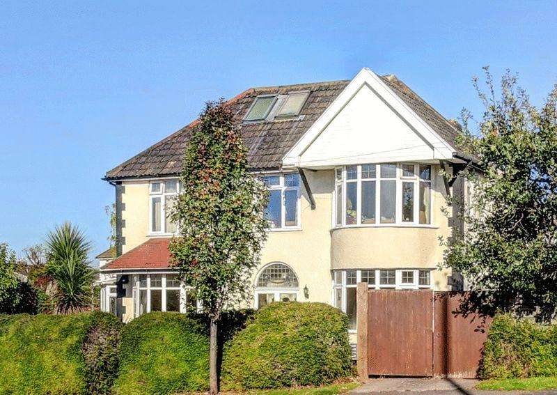 4 Bedrooms Detached House for sale in Falcondale Road, Westbury-on-Trym