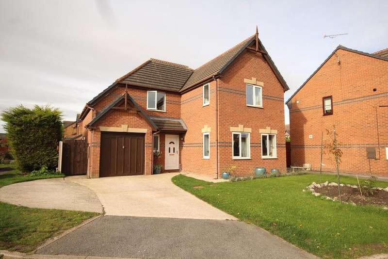 4 Bedrooms Detached House for sale in Brickbarn Close, Buckley, CH7